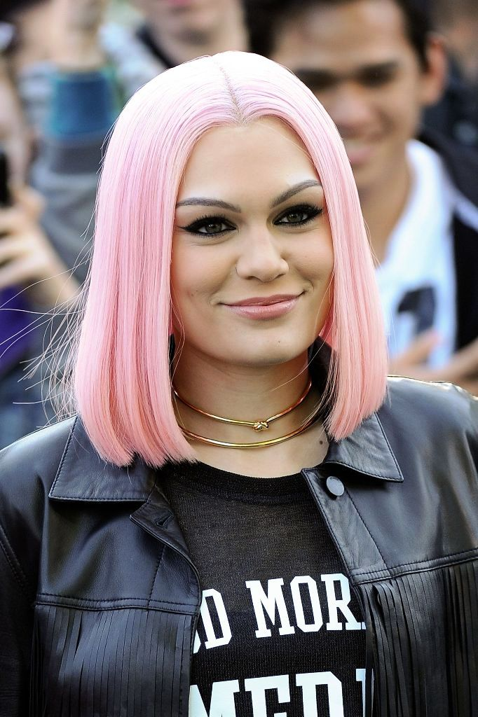 Ideas for girls to rock the pink bubble gum look 17