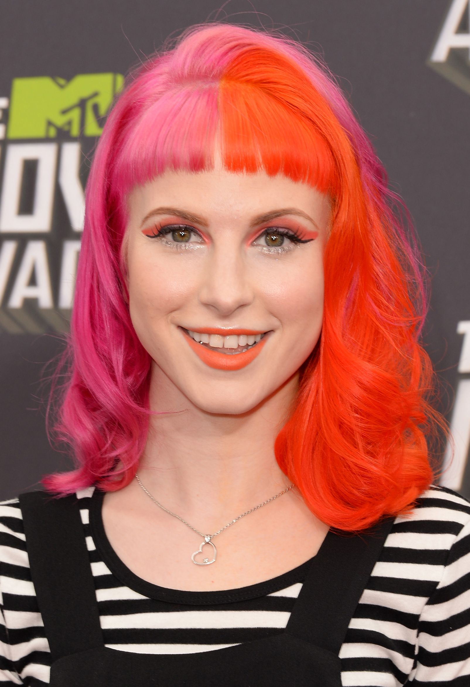 Ideas for girls to rock the pink bubble gum look 22