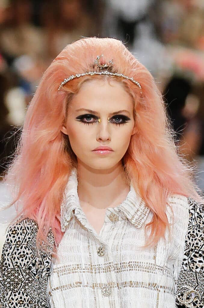 Ideas for girls to rock the pink bubble gum look 3
