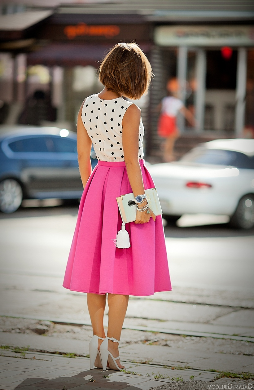 Ideas for girls to rock the pink bubble gum look 34