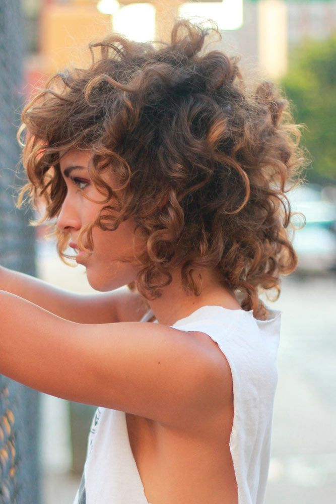 Latest Curly short hairstyles for women 1