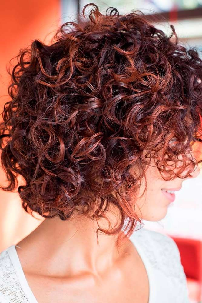 Latest Curly short hairstyles for women 14