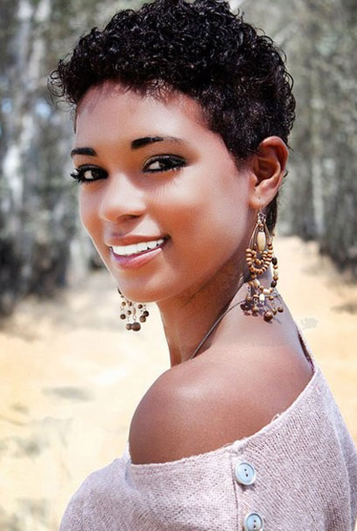 Latest Curly short hairstyles for women 15