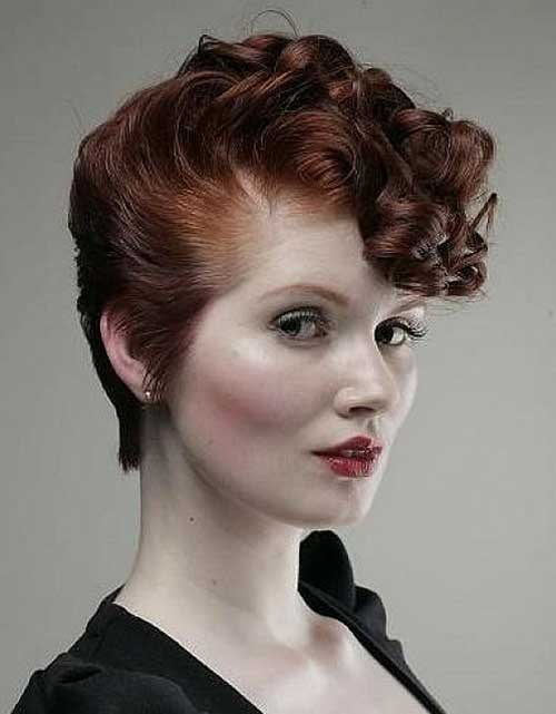 Latest Curly short hairstyles for women 18