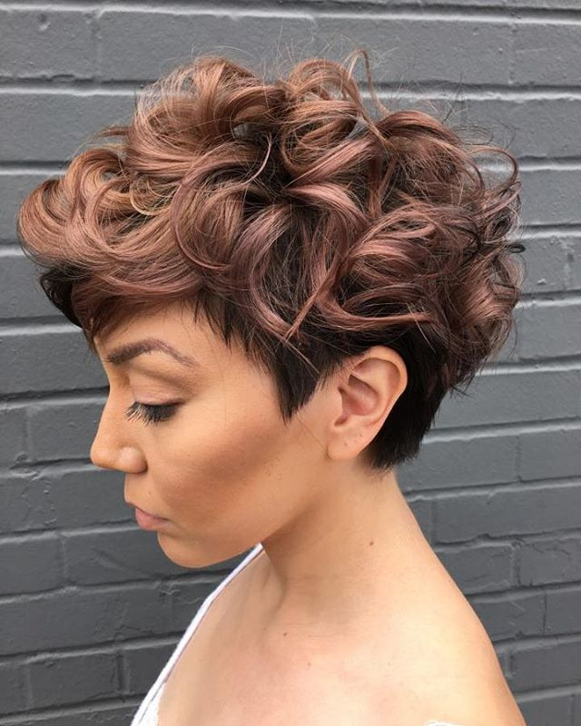 Latest Curly short hairstyles for women 2
