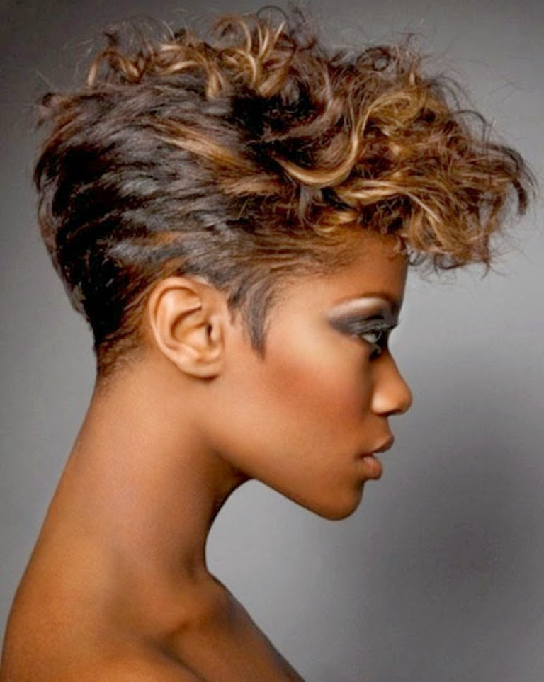 Latest Curly short hairstyles for women 21