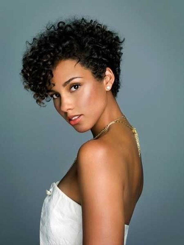 Latest Curly short hairstyles for women 24