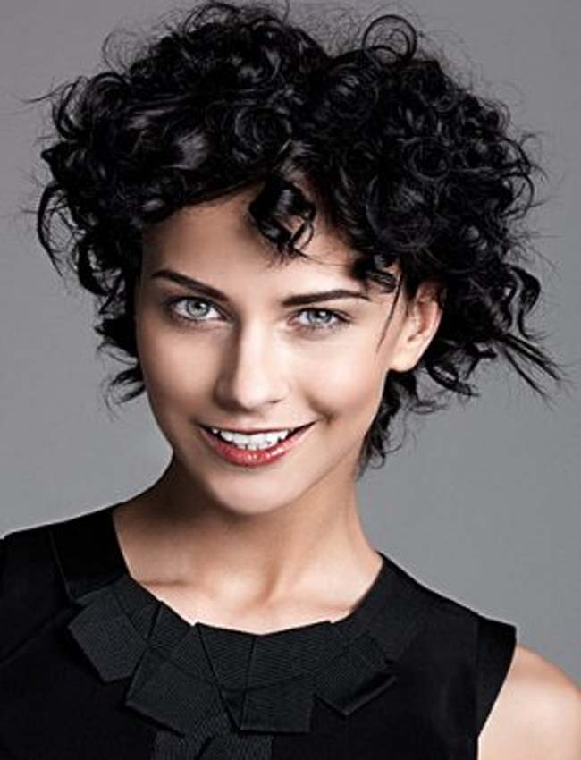 Latest Curly short hairstyles for women 28
