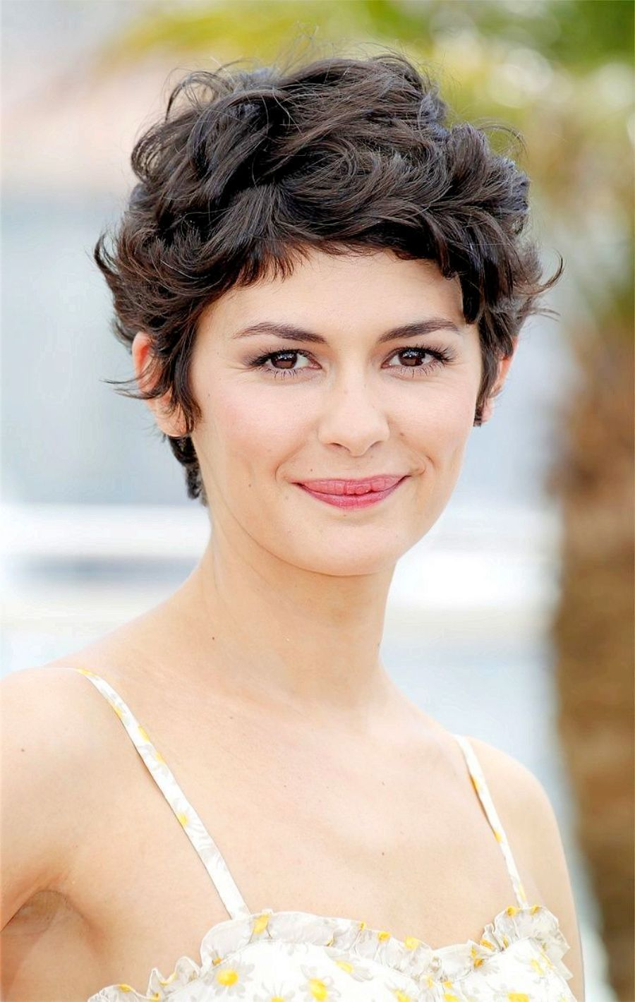 Latest Curly short hairstyles for women 3