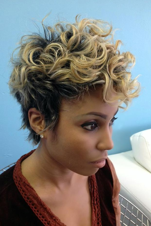 Latest Curly short hairstyles for women 6