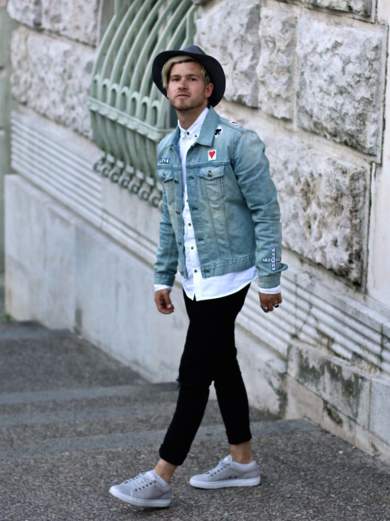 Stylish Men Outfits Look With Jeans 22