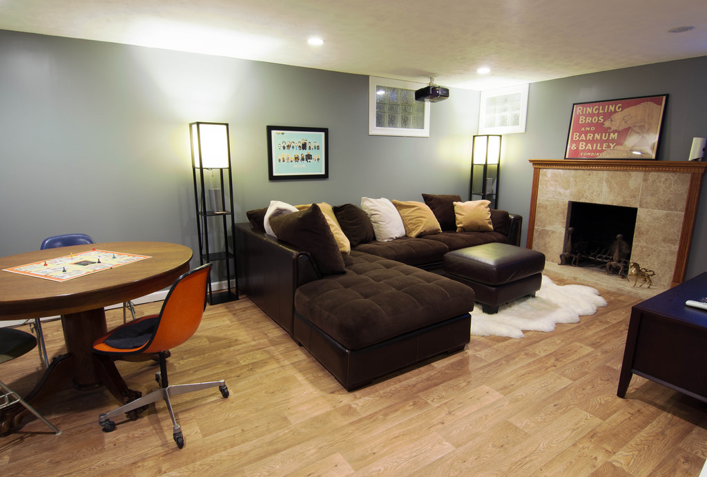 Spacious Basement Design Ideas 15